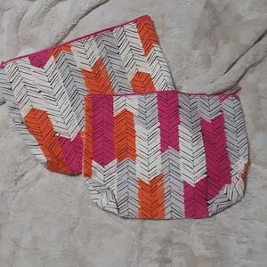 2 feathered pattern large zip pouch